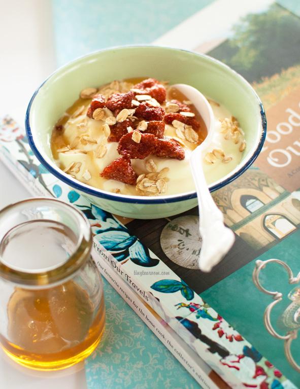 greek yogurt organic raw honey dried wild strawberries toasted rolled oats