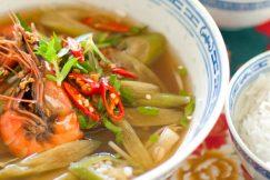 Canh Chua Tôm – Vietnamese Sour Soup with Prawn